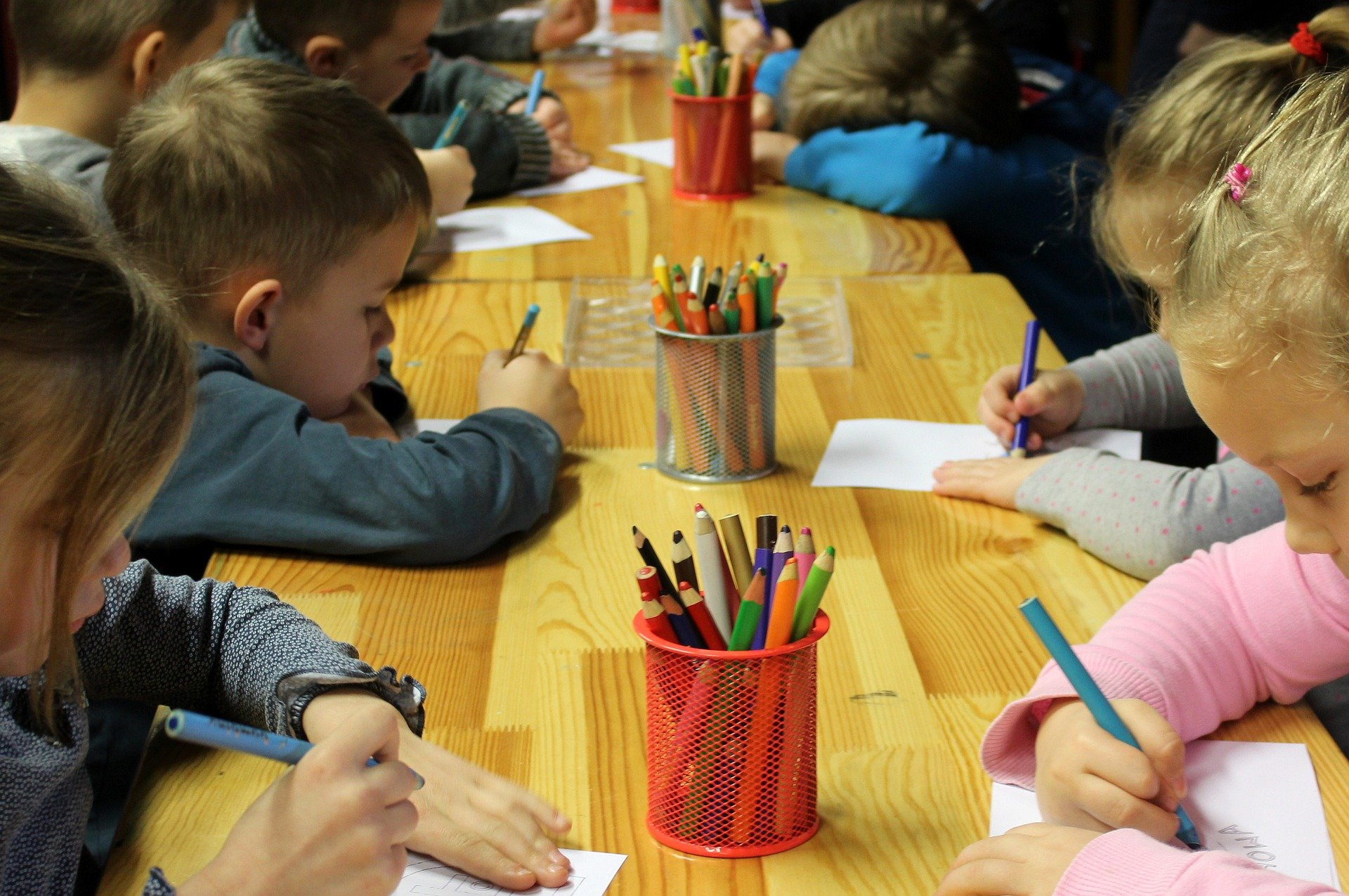 Занятия в развивающей детской студии на Синявинской продлятся до конца мая. Фото: pixabay.com
