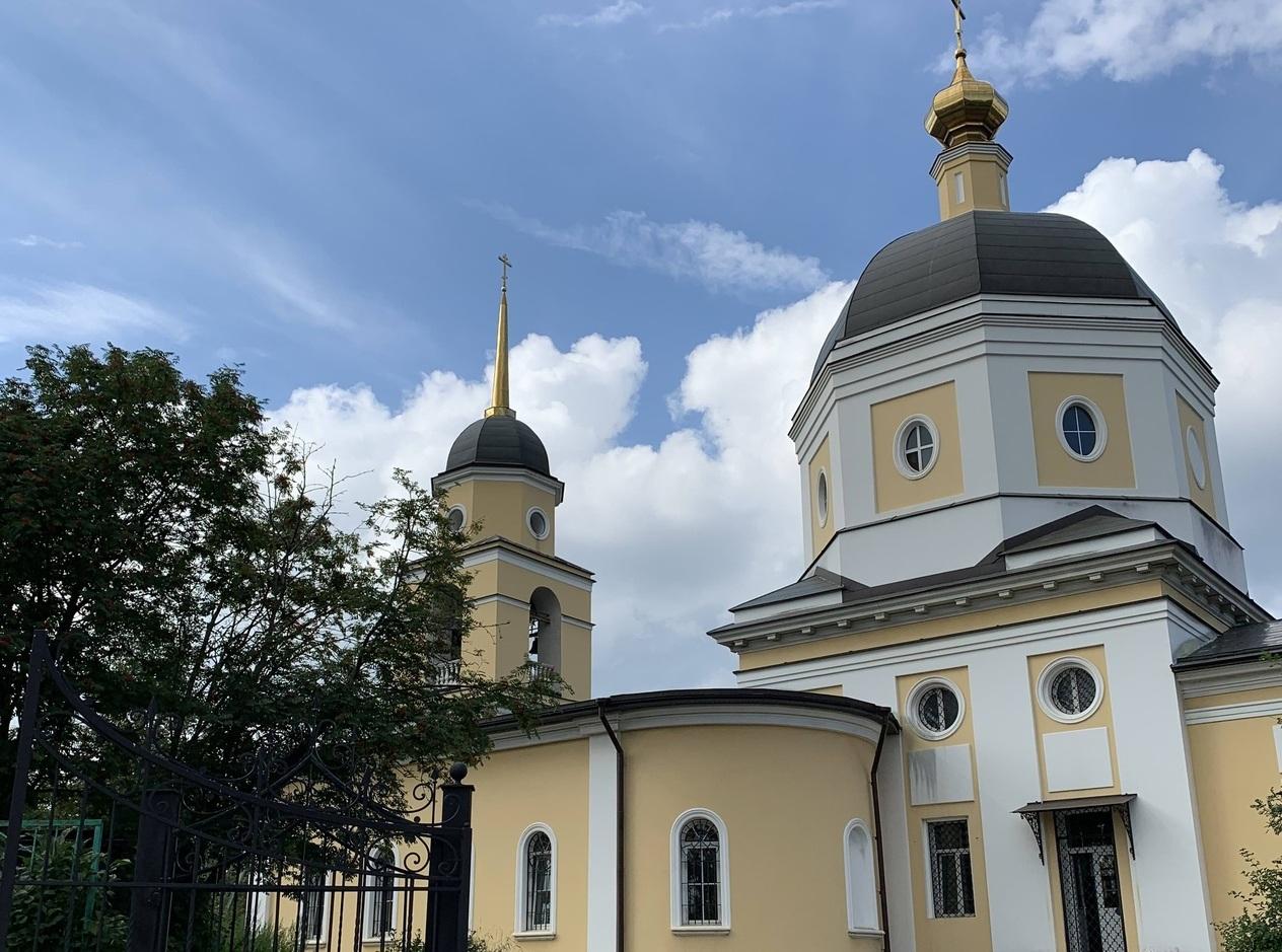 Уборку храма на Ленинградском шоссе перенесли на 27 апреля из-за погодных условий. Фото: Мария Драгушина